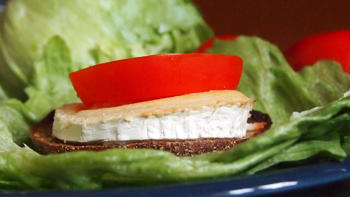 grzanka z kozim serem