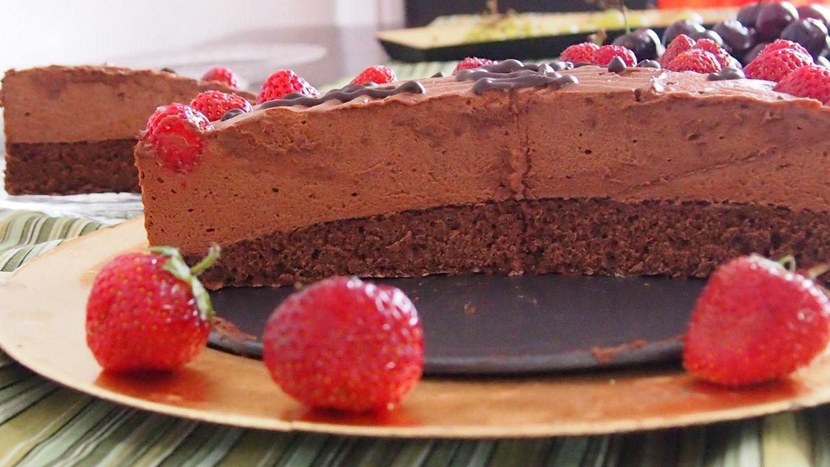 tort czekoladowy, tort z musem czekoladowym
