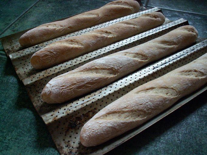 bagietki z mąką pełnoziarnistą