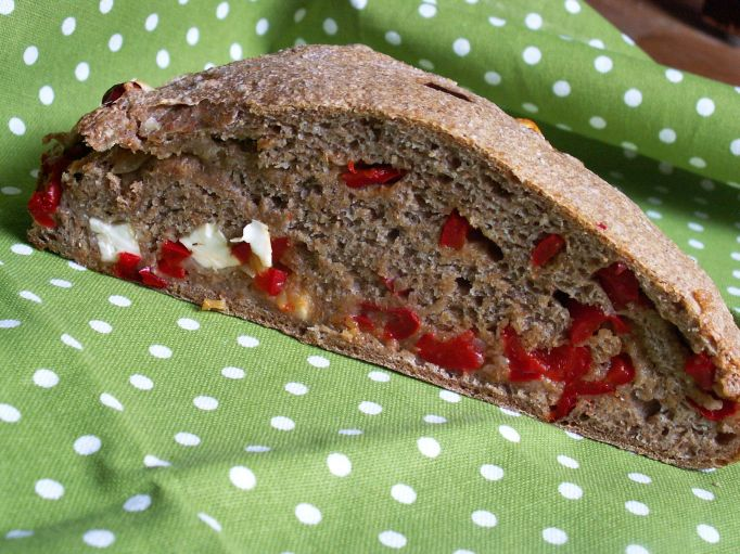 razowy chleb z dodatkami