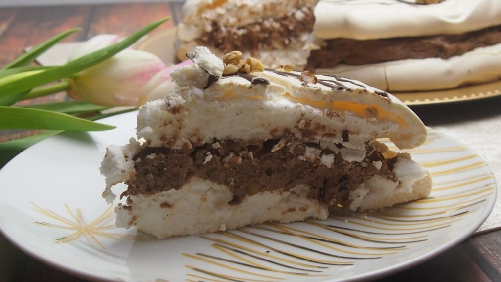 tort bezowy z kremem sułtańskim