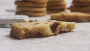 ciastka z orzechami pekan i syropem klonowym