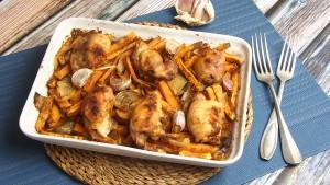 bataty pieczone z udkami kurczaka