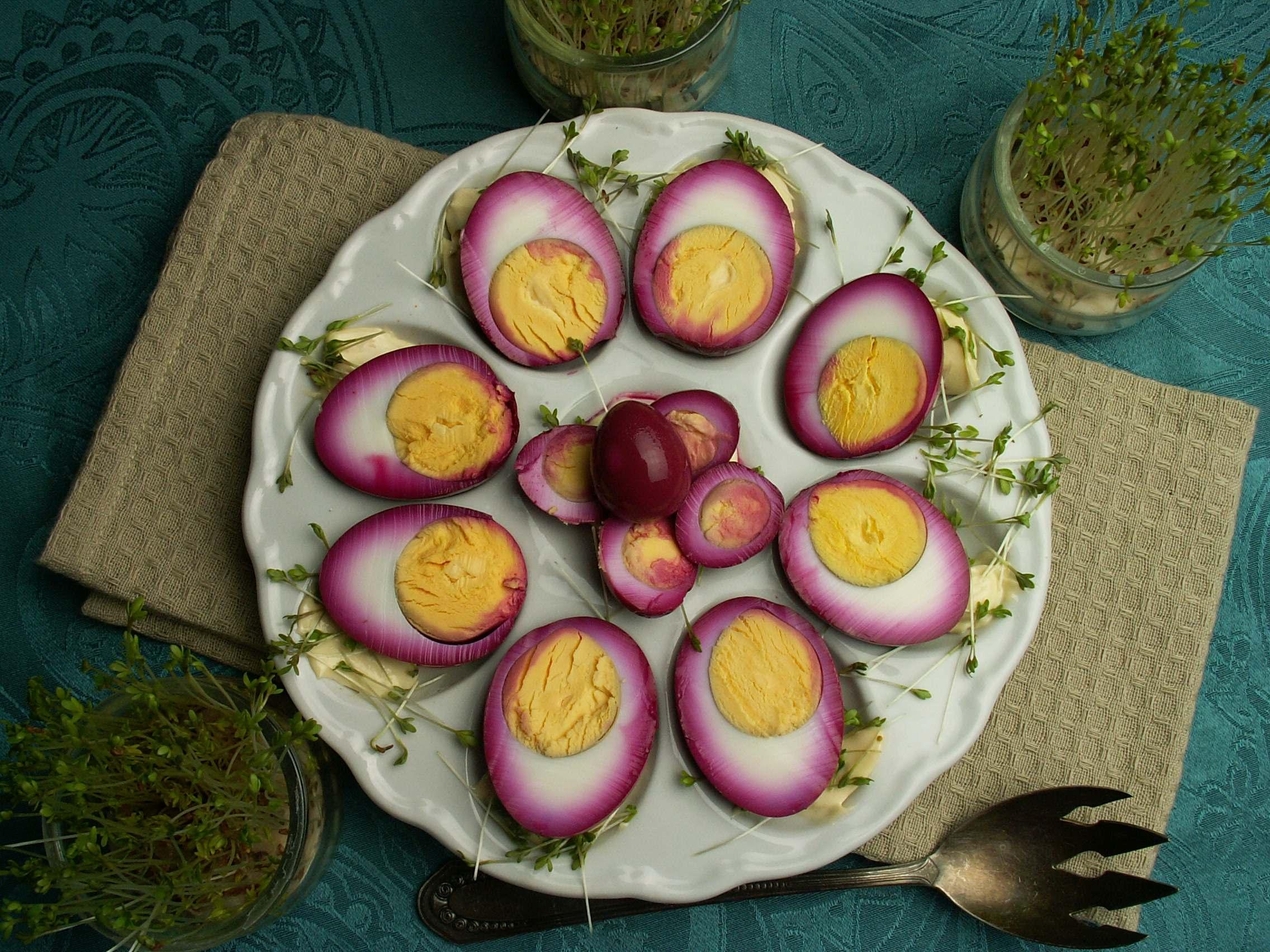 różowe jajka