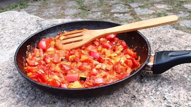 Pozdrowienia z wakacji, sos pomidorowo – paprykowy