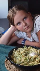 makaron w sosie serowo brokułowym