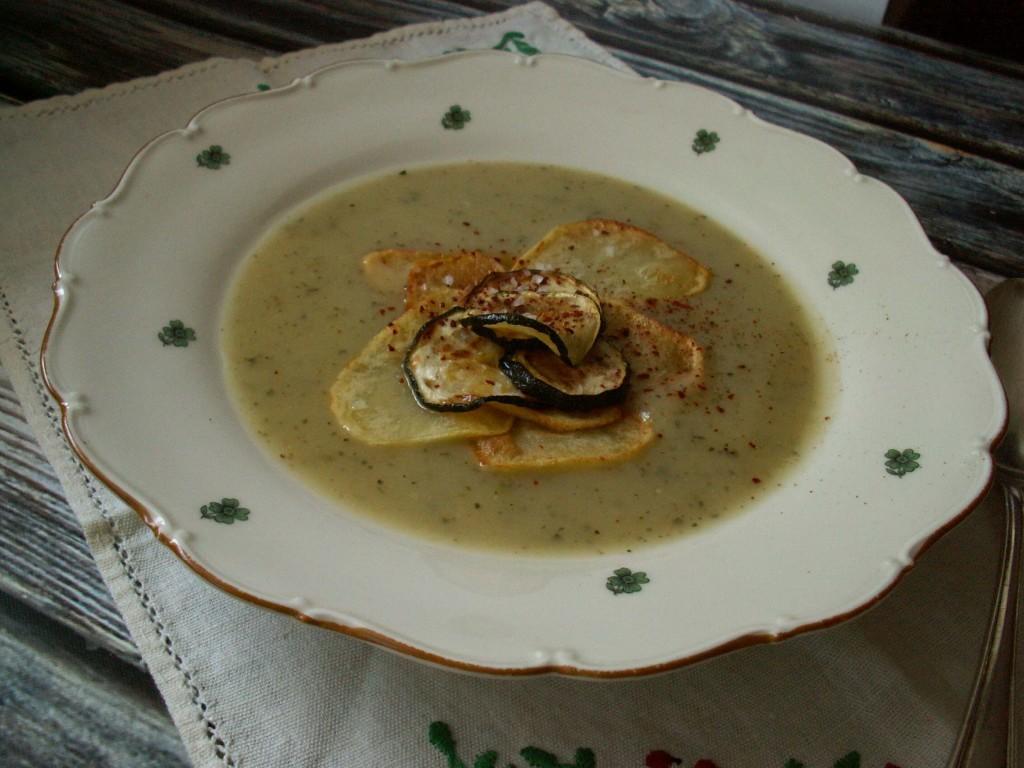 Kremowa zupa z ziemniaków i cukini