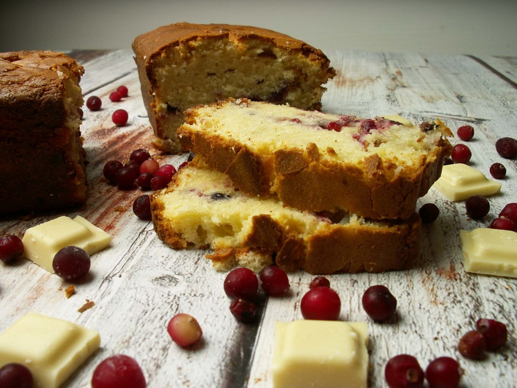 ciasto z żurawiną i białą czekoladą