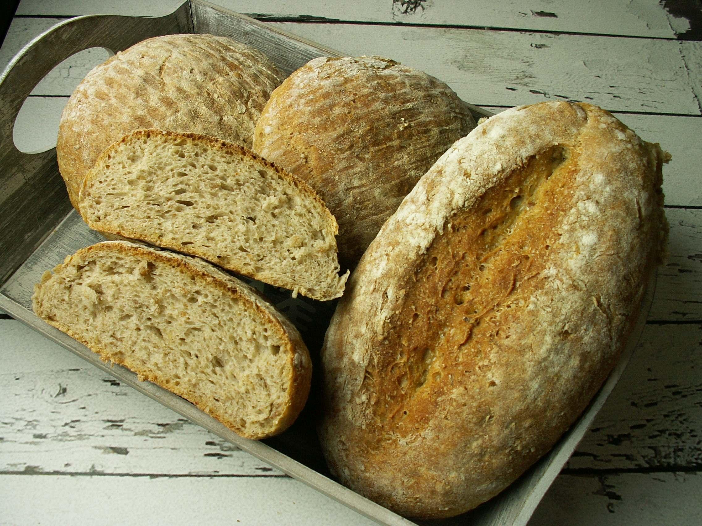 Chleb pszenno – orkiszowy z płatkami żytnimi i owsianymi
