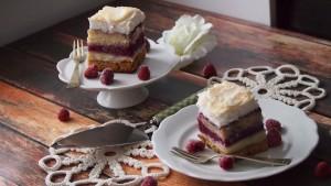 pychotka ciasto z masą waniliową i malinami
