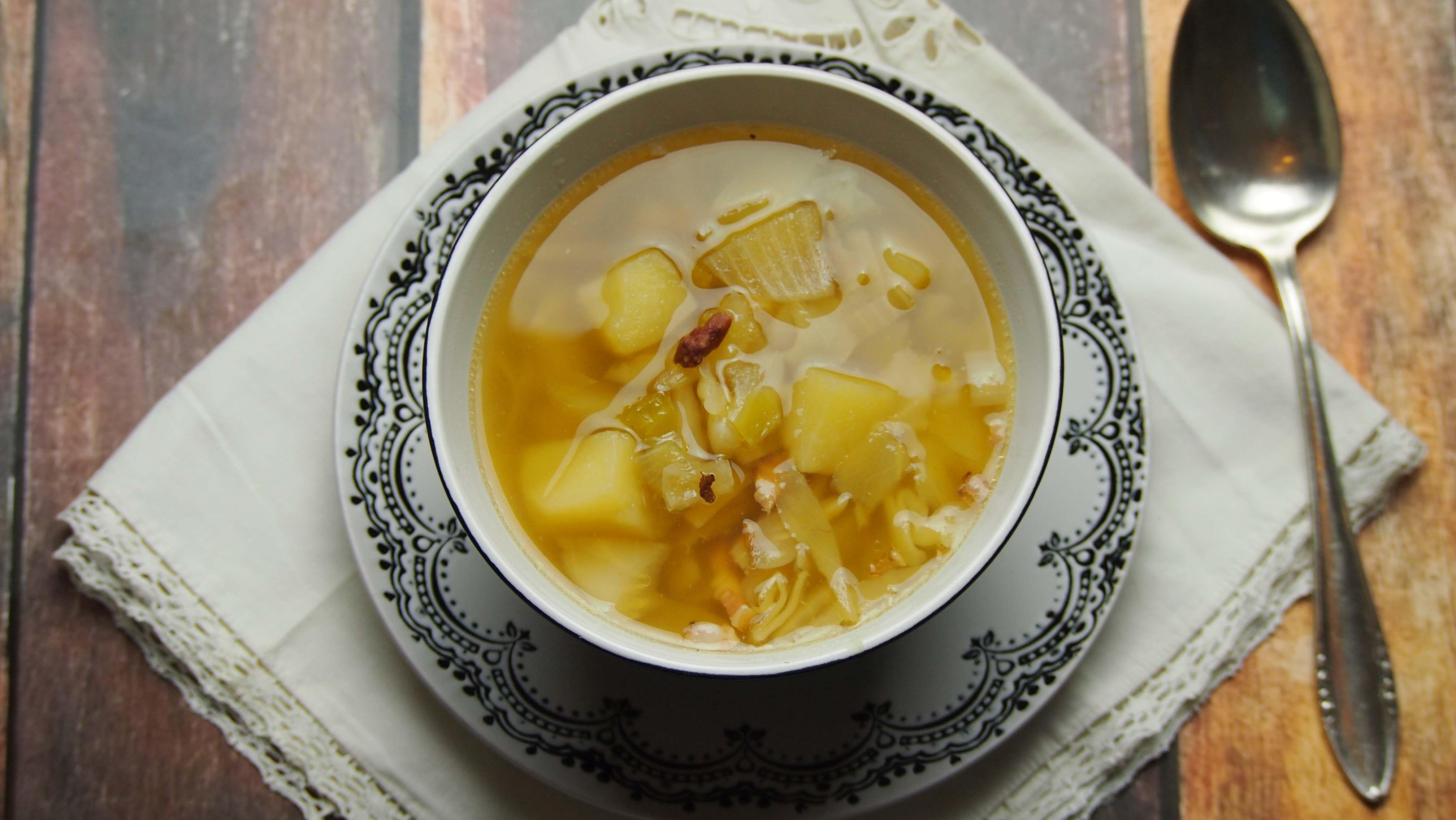 Ziemniaczana zupa z kapustą