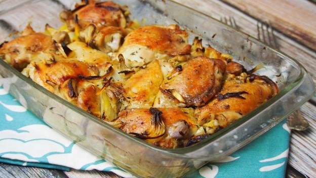 Pieczony kurczak marynowany w plasterkach cytryny