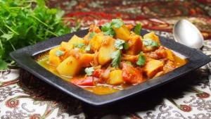 vindaloo z ziemniaków i batatów