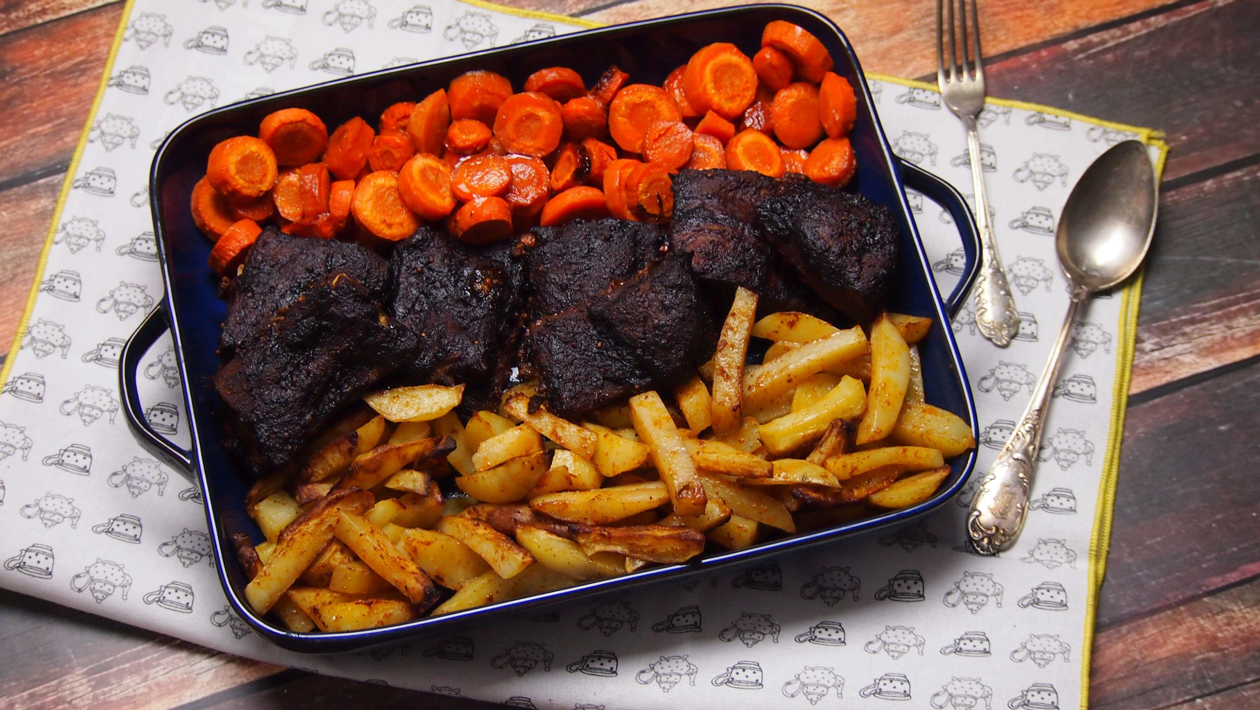 Żeberka wolno pieczone w sosie barbecue
