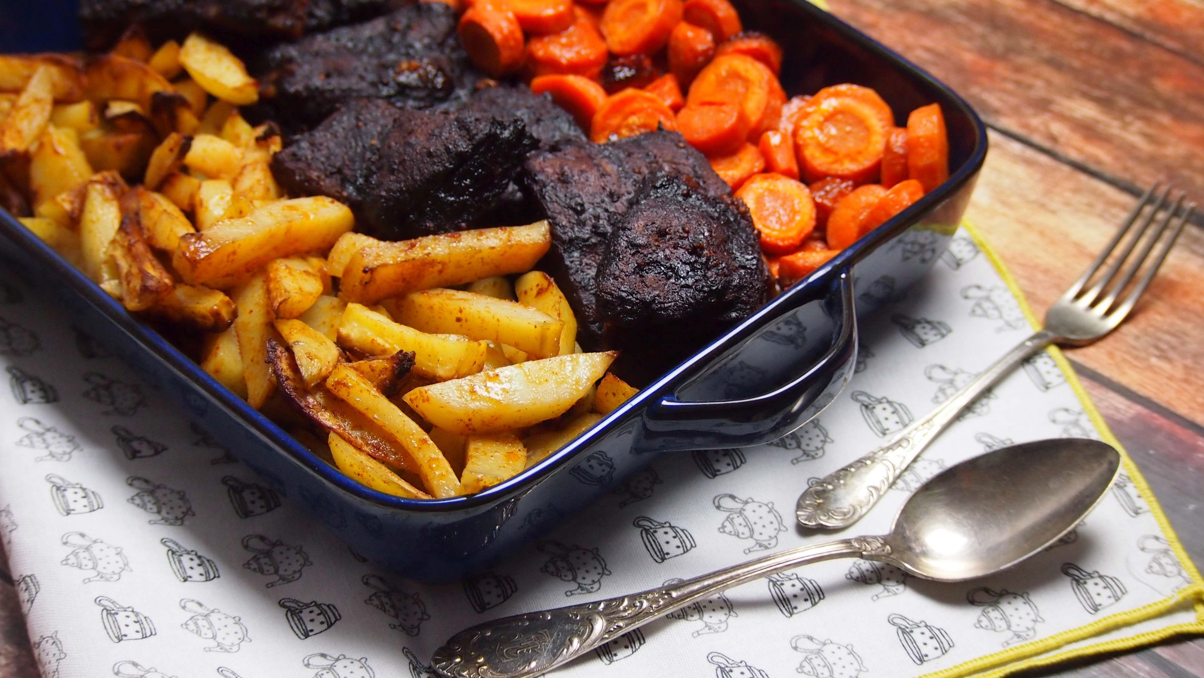 wolno pieczone żeberka w sosie barbecue