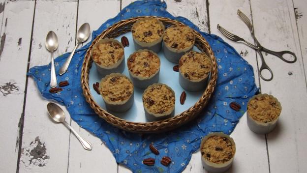 Wegańskie muffiny z kruszonką i orzechami pekan