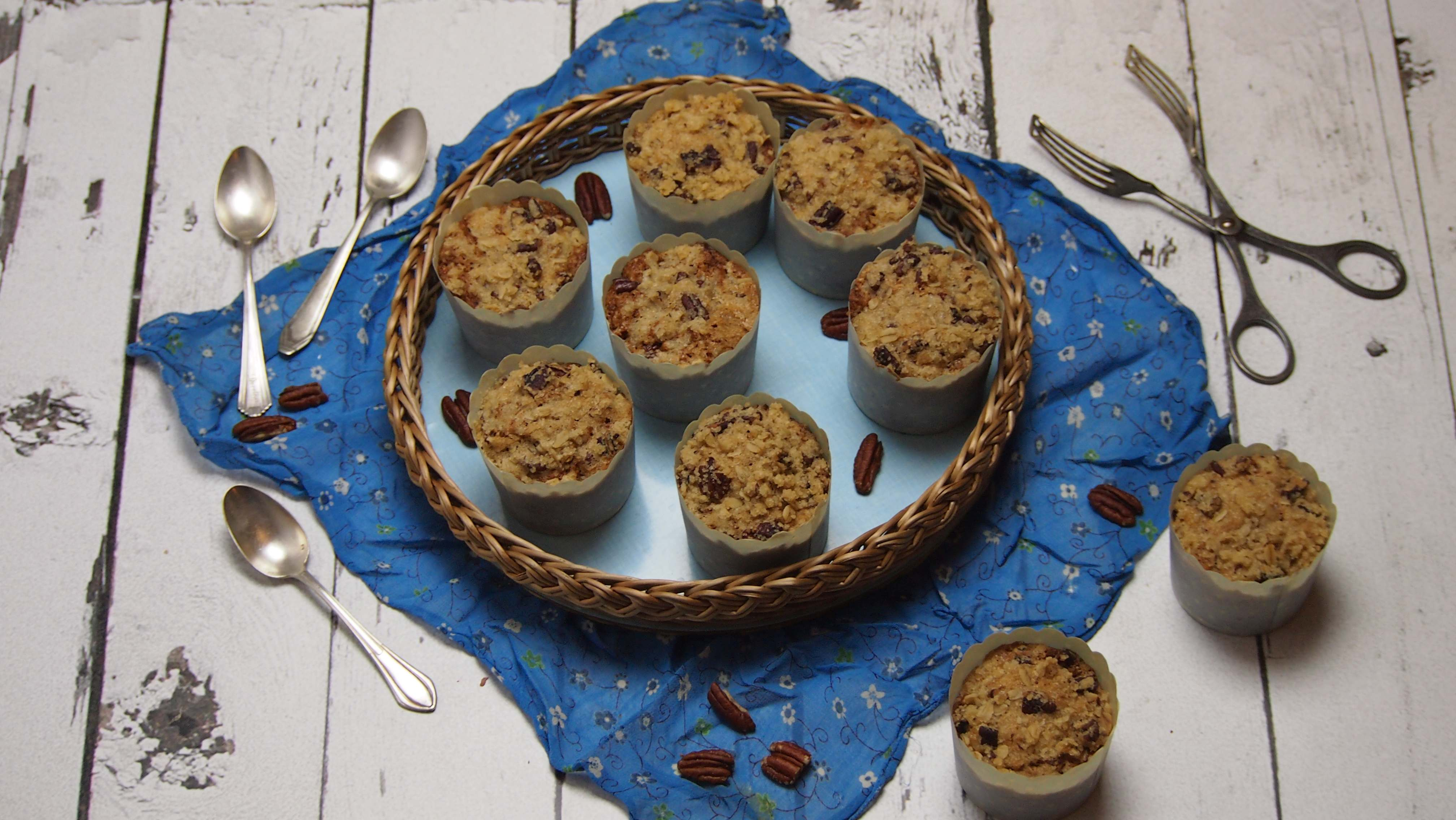 wegańskie maffiny z kruszonką i orzechami pekan