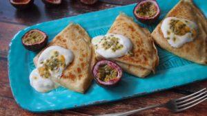 Pyszne tradycyjne naleśniki z serem przepis