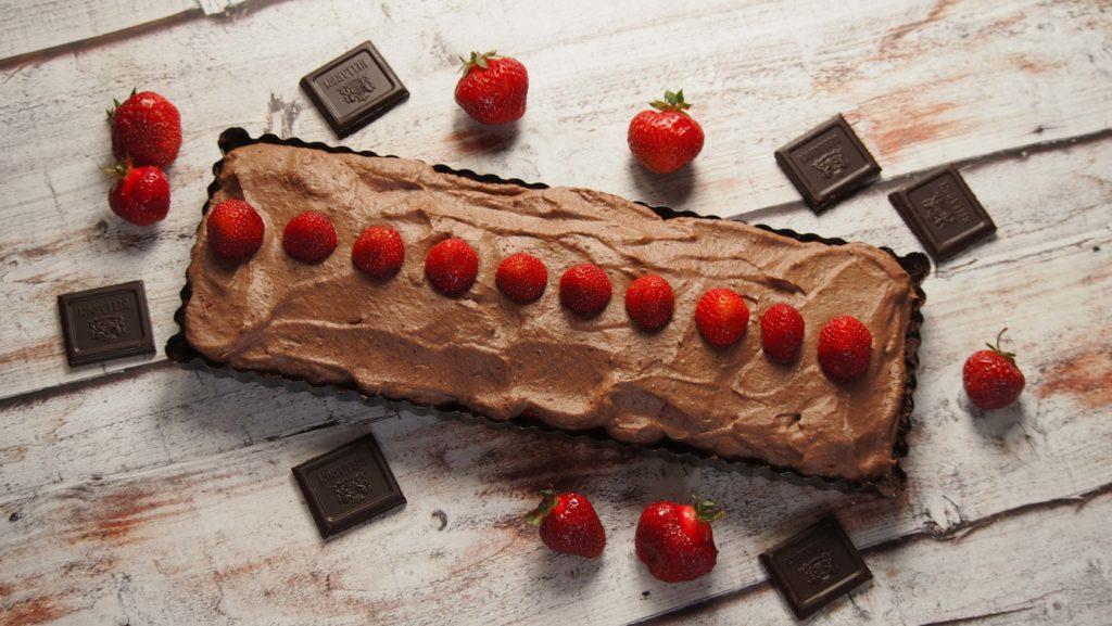 tarta czekoladowa z truskawkami