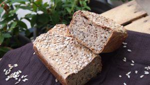 chleb mieszany na miodzie ze słonecznikiem