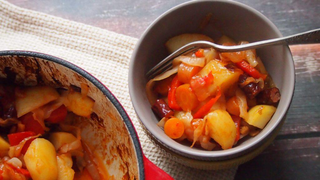 kociołek pełen warzyw
