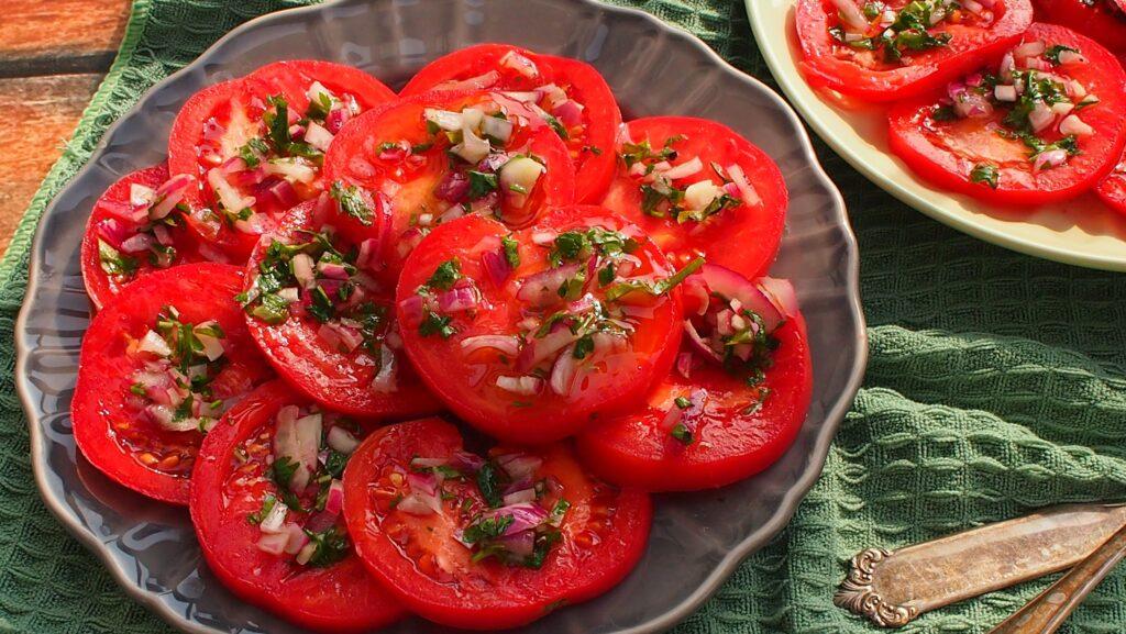 sos do sałatki z pomidorów